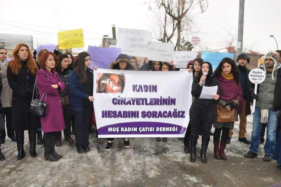 Muş'ta kapatılan iki kadın derneğinden dayanışma çağrısı