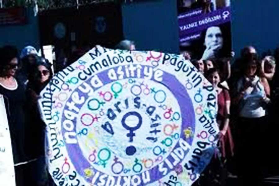 Kadınlar Alpay ve Erdoğan'a kart atacak
