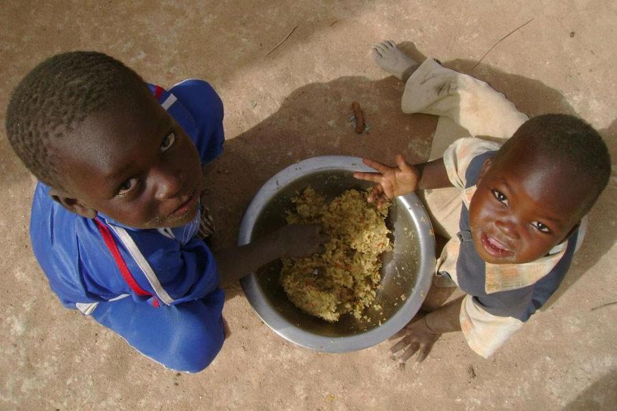 Nijerya'da 75 bin çocuk birkaç ay içinde açlıktan ölebilir