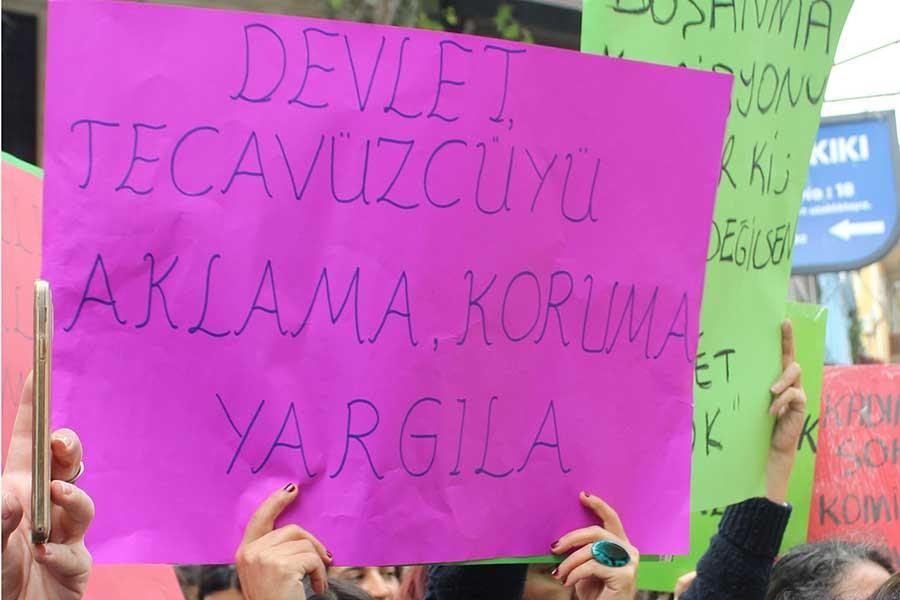 Kadınlar: Tamamen geri çekilene kadar mücadeleye devam