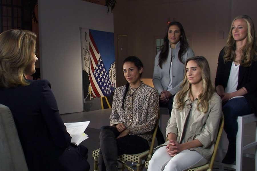 ABD'li kadın futbolcular ücret eşitliği istiyor