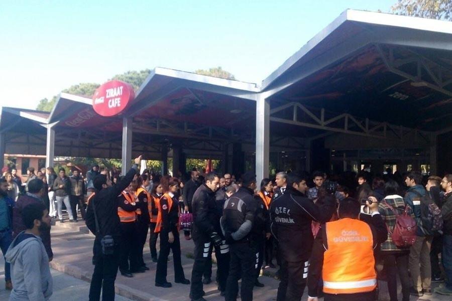 Ege Üniversitesinde 7 öğrenci gözaltına alındı