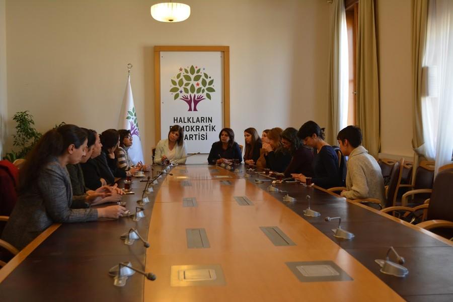 Kadın örgütleri HDP'yle bir araya geldi