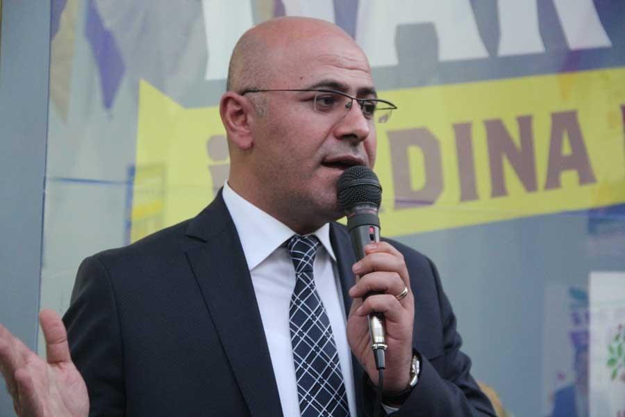 HDP: Hükümet Türkiye'yi tecrit ediyor