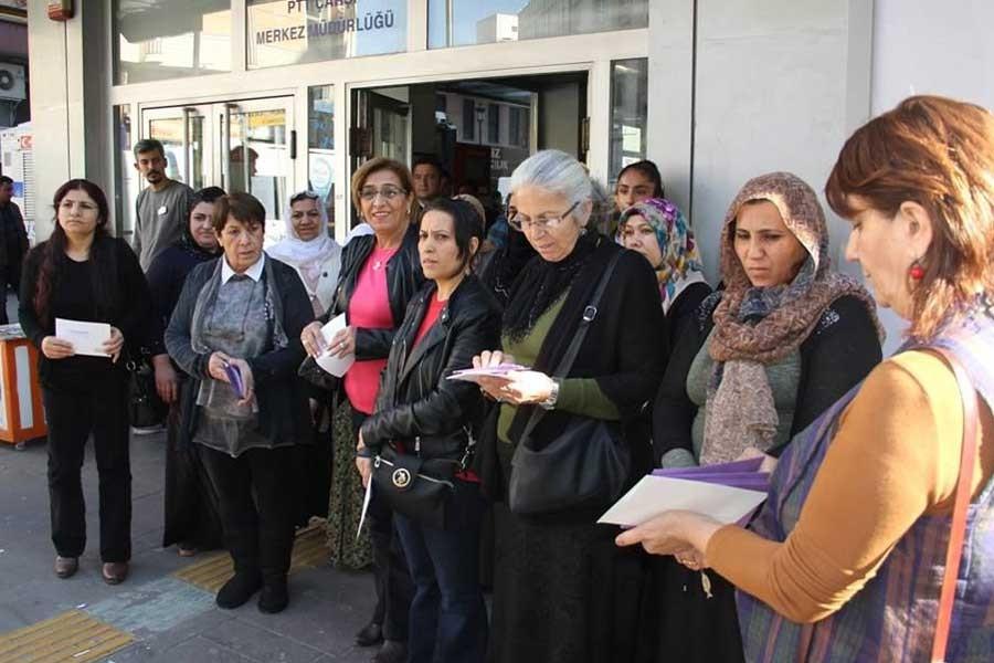 Kadınlardan siyasi tutuklulara dayanışma kartı