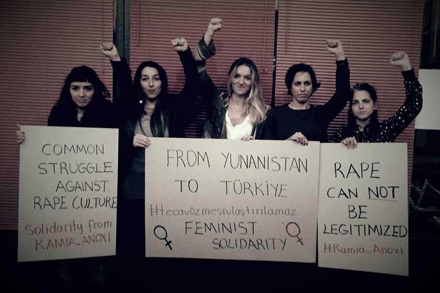 Yunanistanlı kadınlardan Türkiyeli hemcinslerine dayanışma