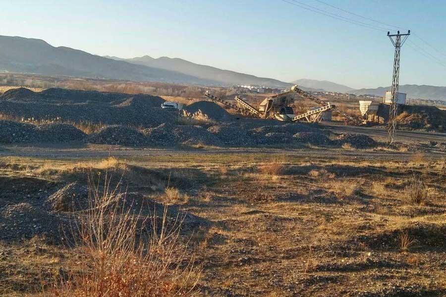 Kaçak kum ocakları tehlike saçıyor