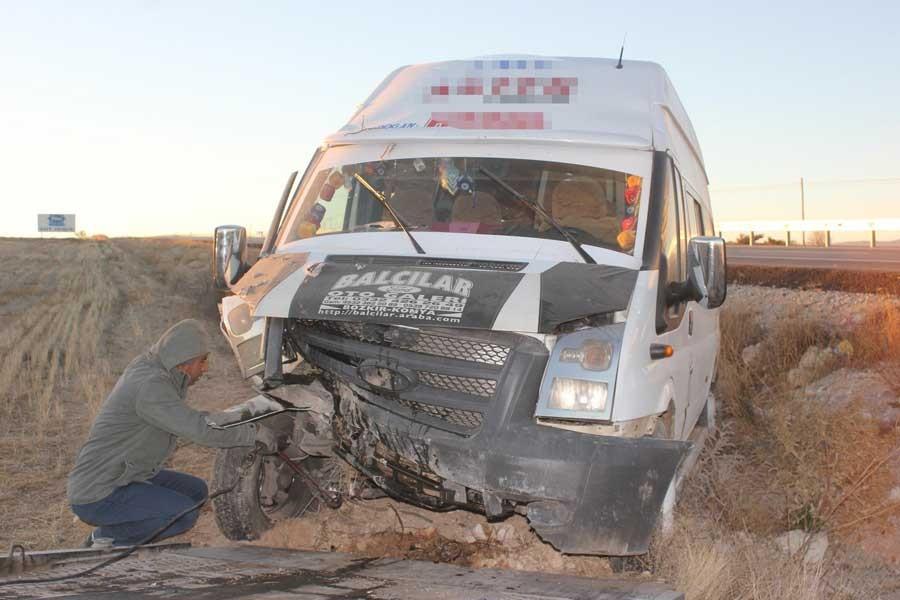 Karaman'da işçi servisi şarampole yuvarlandı: 12 yaralı