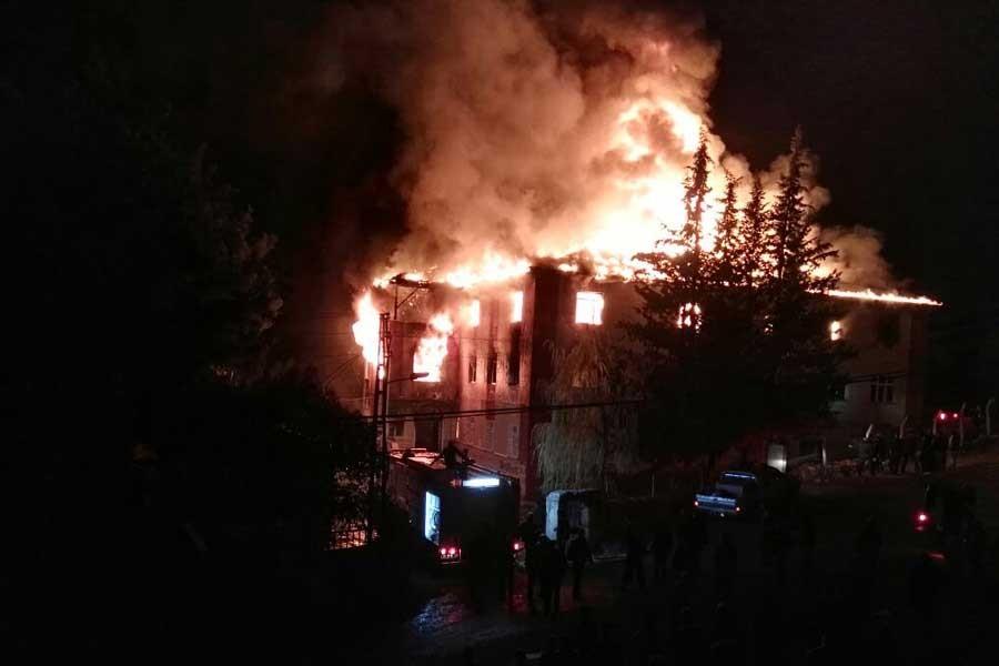 Gazeteci Mustafa Hoş Adana yangınını yazdı
