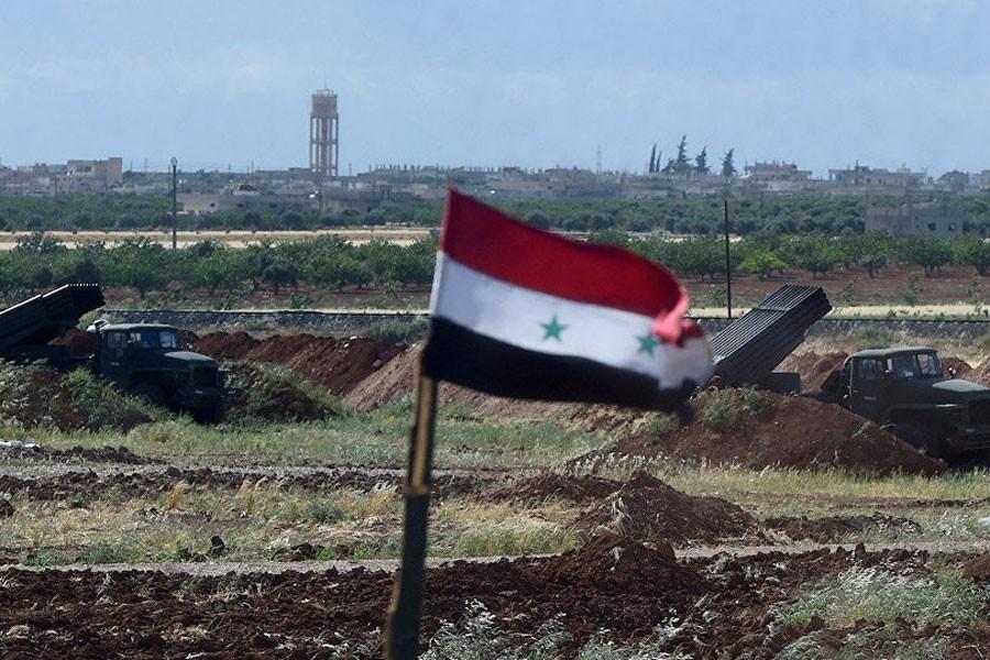 IŞİD'le savaşacak Suriye ordusu konvoyu Kalamun'a geldi