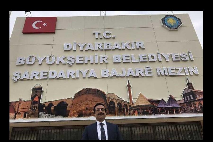 AKP, Diyarbakır ve Hakkari'de kayyımları aday gösterdi