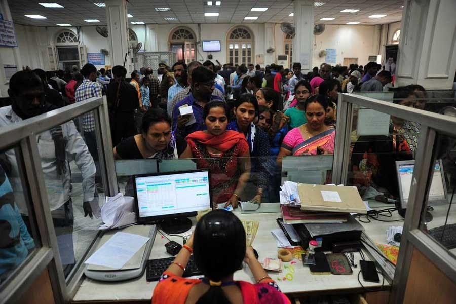 Hindistan'da banknotlar gitti kriz geldi