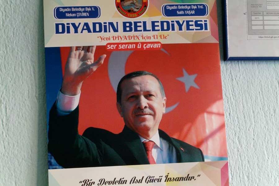 Kayyım atanan belediye Erdoğanlı takvim bastırdı