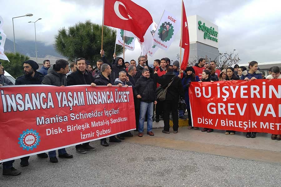 Schneider işçileri Manisa ve İzmir'de greve çıktı