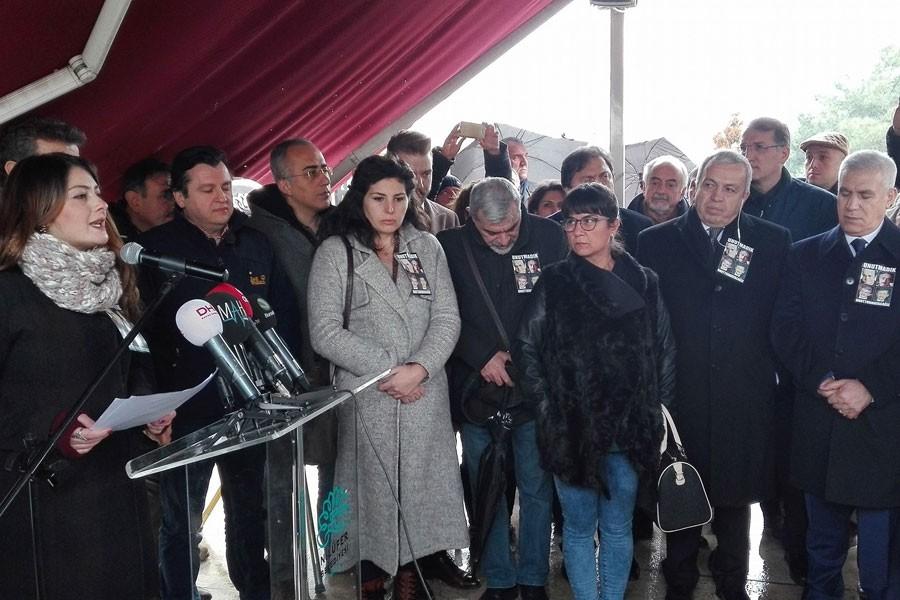 OHAL engeline rağmen Uğur Mumcu Bursa'da anıldı