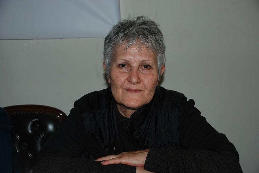 Terörist yazan kartları takmayan tutuklulara işkence iddiası