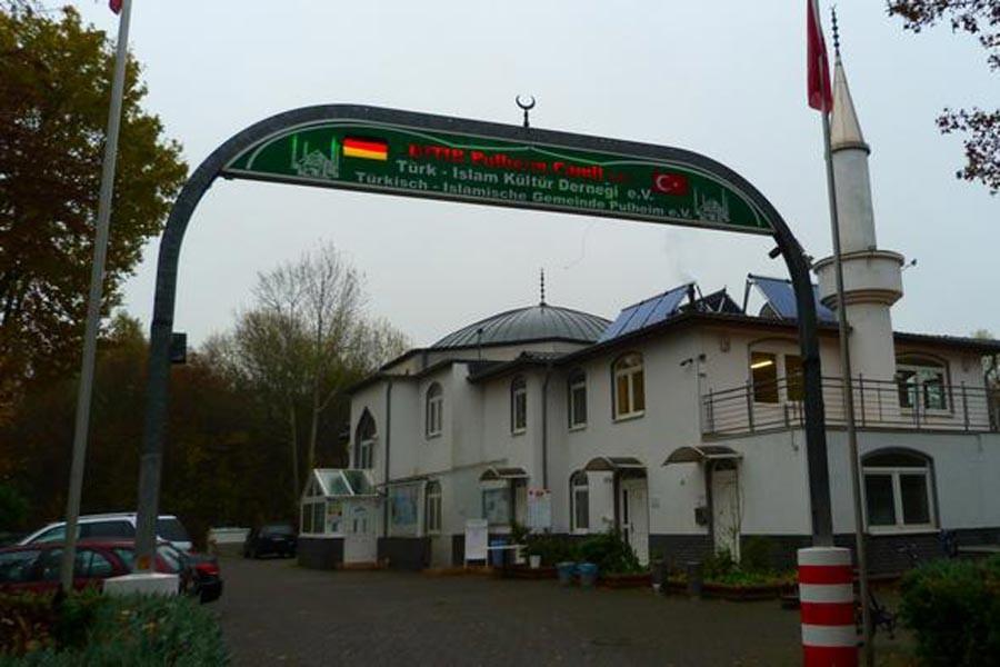 Almanya'da Diyanet imamlarına 'ajanlık operasyonu'