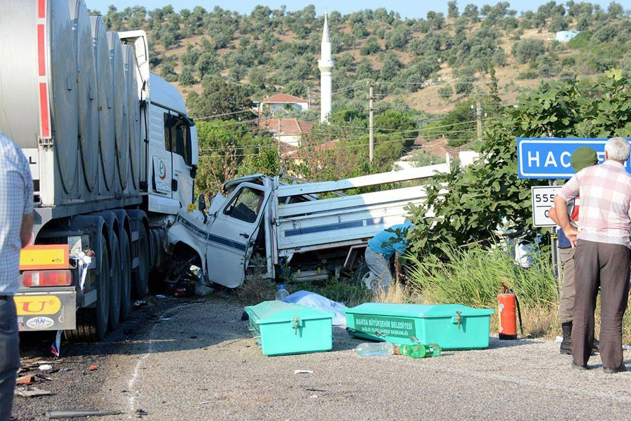 Kamyon kasasında ölen 15 işçinin tazminatı fazla bulundu
