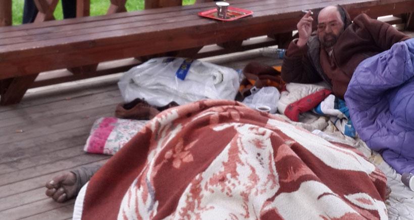 Adana'da parkta sabahlayan yaşlı adam soğuktan öldü
