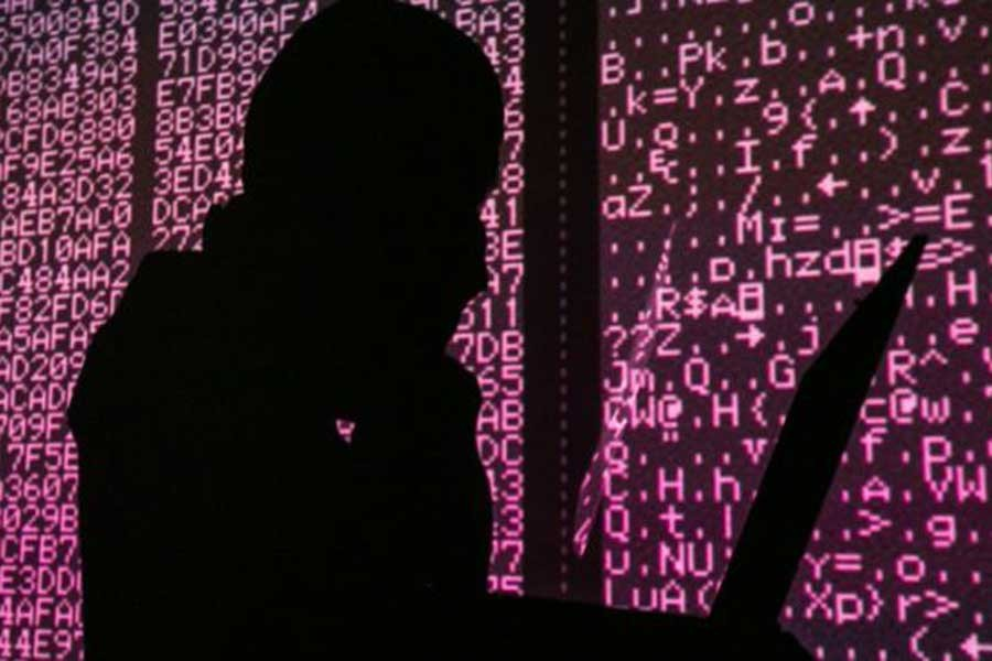 Siber saldırganlar yüzlerce siteyi kripto madenci yaptı