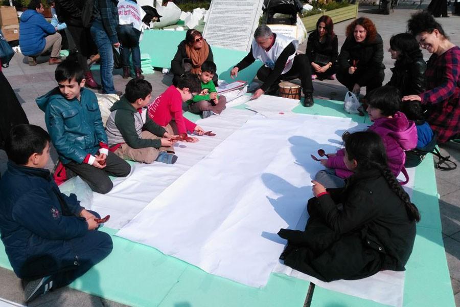 KHK ile ihraç edilen öğretmenler öğrencileriyle buluştu