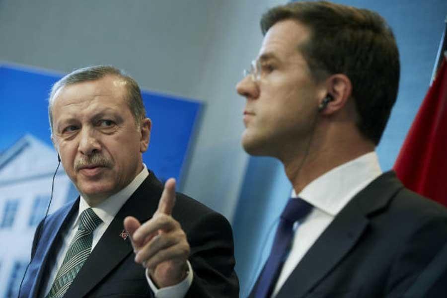 Türkiye ve Hollanda hükümetleri oy için kriz çıkardı