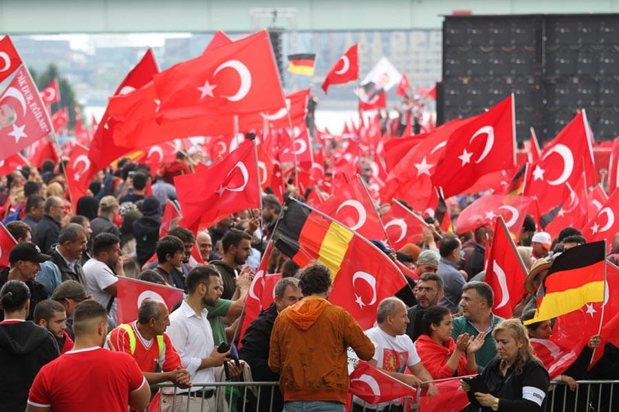 Dr. Burak Çopur:İlişkilerin gerilmesi Erdoğan'ın stratejisi