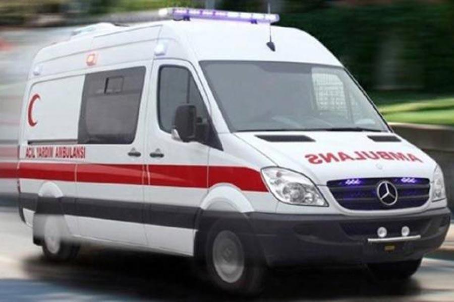 Polis gence kurşun yağdırdı, yaralı genç hastanede