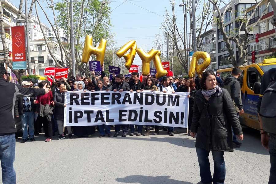 KADIKÖY'DE REFERANDUM EYLEMİ