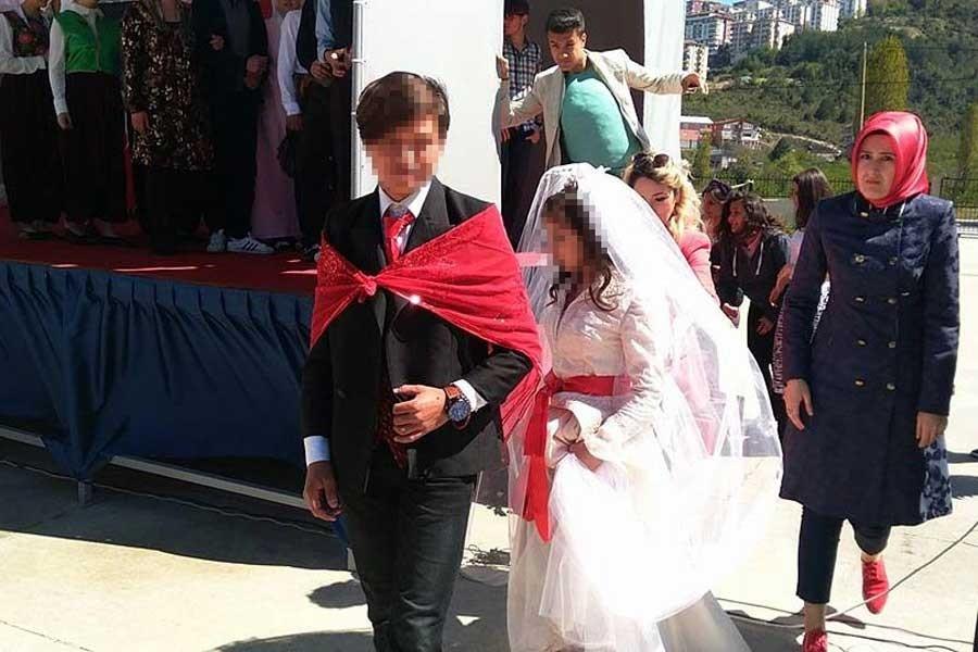 Diyanet, cuma hutbesinde 'çocuk evlenemez' diyemedi!