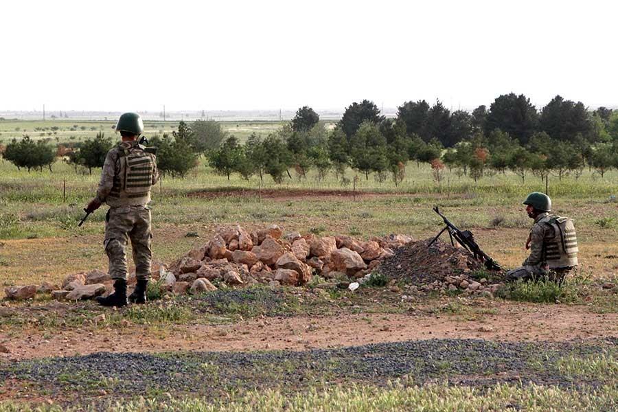 Diyarbakır'da çatışma: 2 asker yaralandı