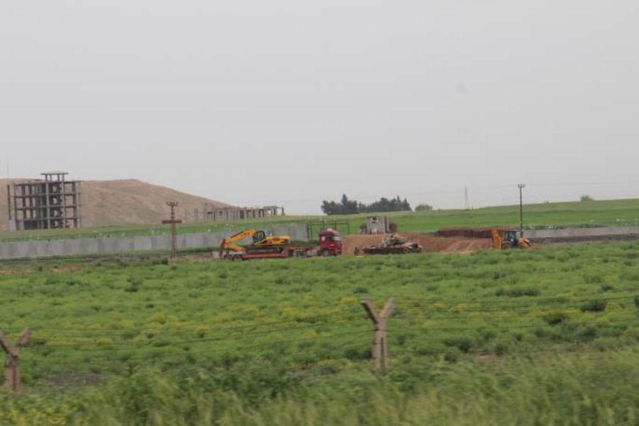 Rojava sınırına örülen duvarlar kaldırılıyor