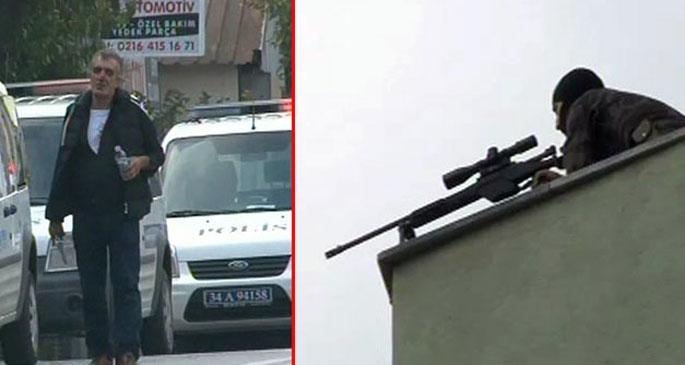 Polisin silahını alıp, havaya ateş açtı