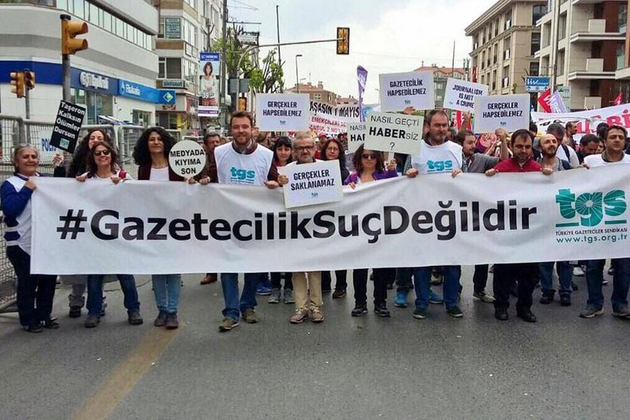 'Gazeteciler Çetin ve Türe derhal serbest bırakılsın'