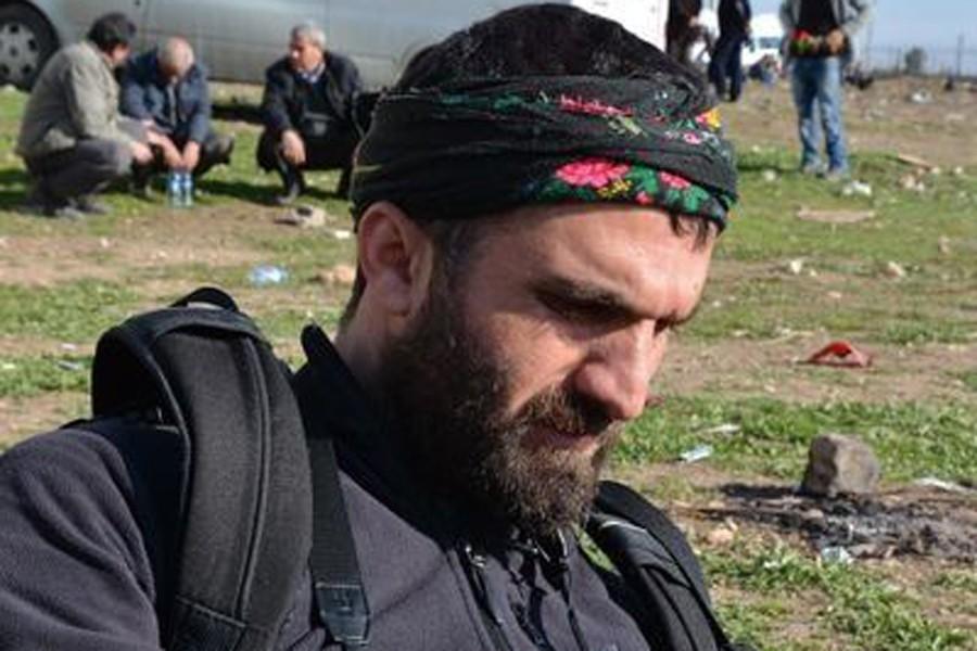 Gazeteciler Sedat Sur ve Özgür Aydın'a gözaltı