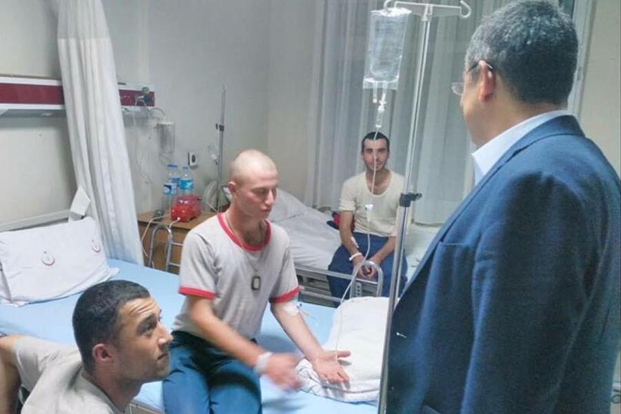 CHP'li Özel, askerlerin rahatsızlanmasını TBMM'ye taşıyacak