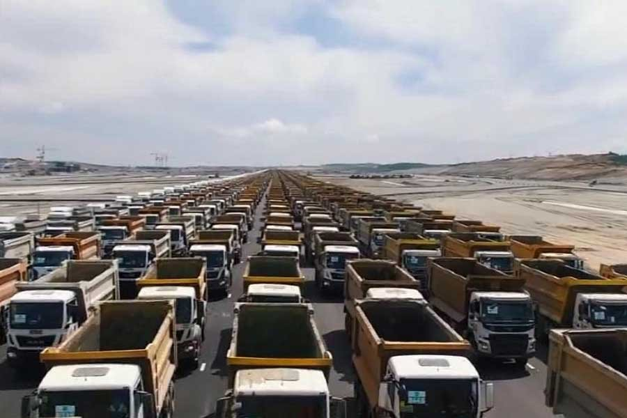 3. Havalimanı inşaatında 1453 kamyonlu tören!