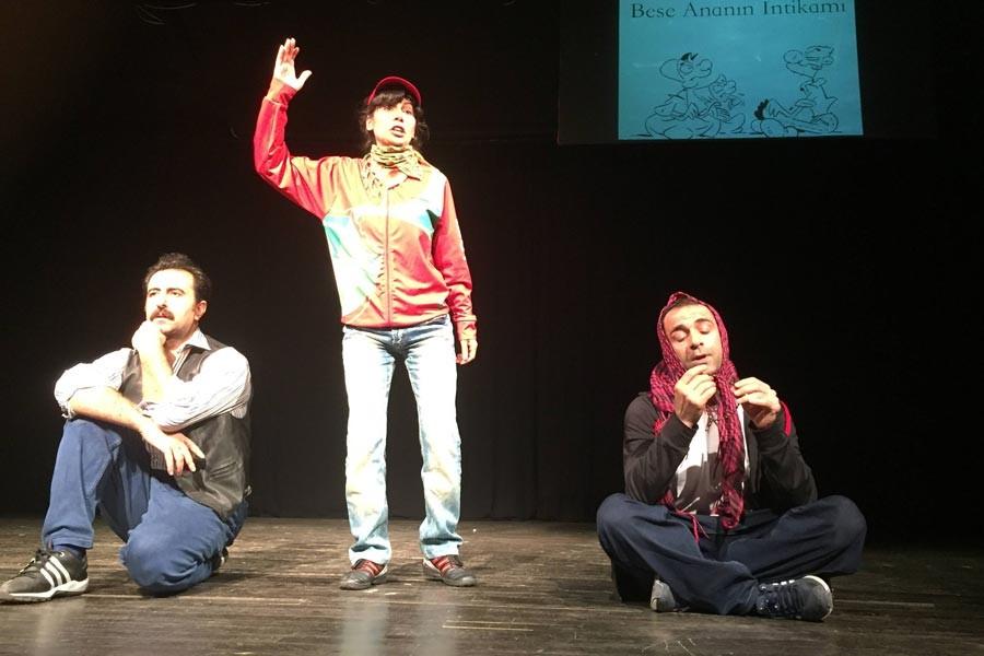 'Qırıx' İstanbul'da sahnelendi