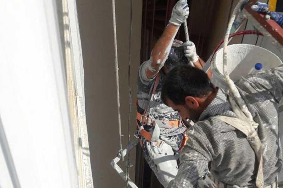 Mersin'de inşaatta halat koptu, işçiler mahsur kaldı
