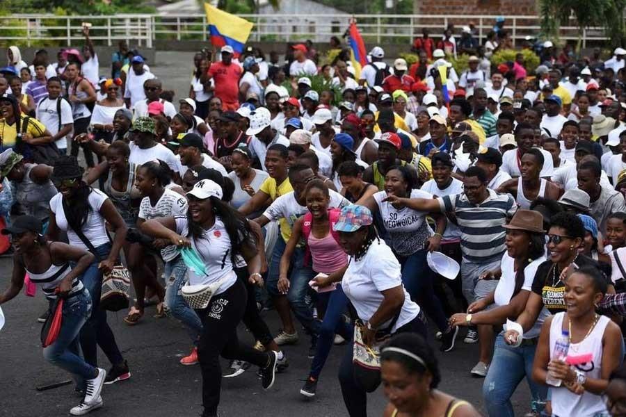 Kolombiya'da bir kent yoksulluğa karşı süresiz grevde