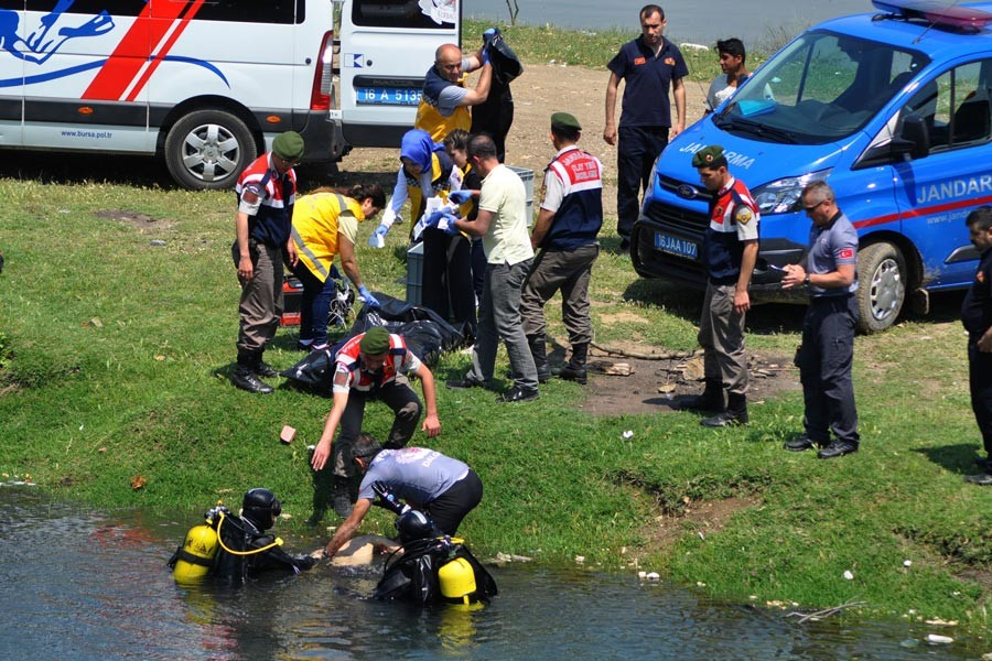İnegöl'de gölete giren 15 yaşındaki iki öğrenci boğuldu