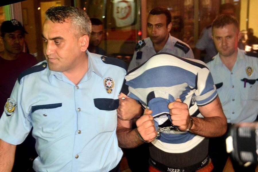 Adana'da bir erkek dini nikahlı hamile eşini bıçakladı