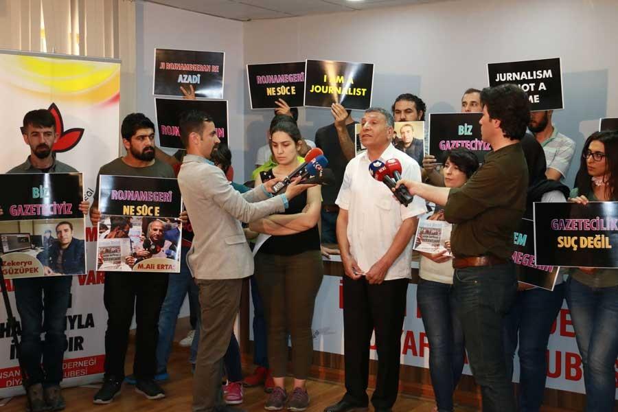 2 gazeteci akla ziyan bir metotla gözaltına alındı