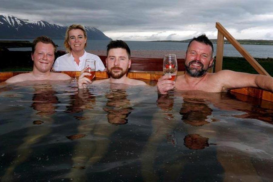 İzlanda'nın ilk 'bira kaplıcası' açıldı