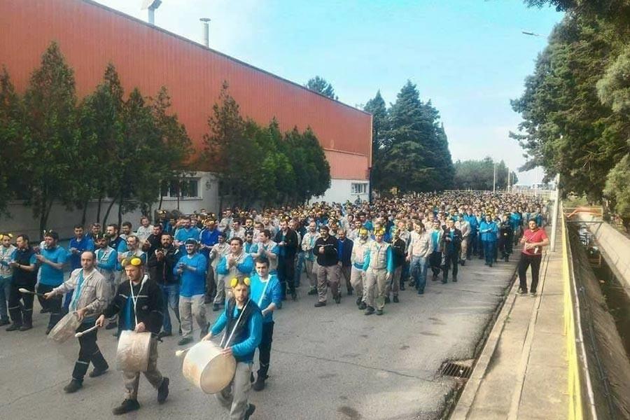 'OHAL'inizle, yasalarınızla işçi yol yürüyemez'