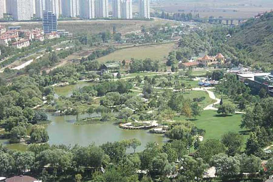 Bahçeşehir'de gölet projesi devam ediyor
