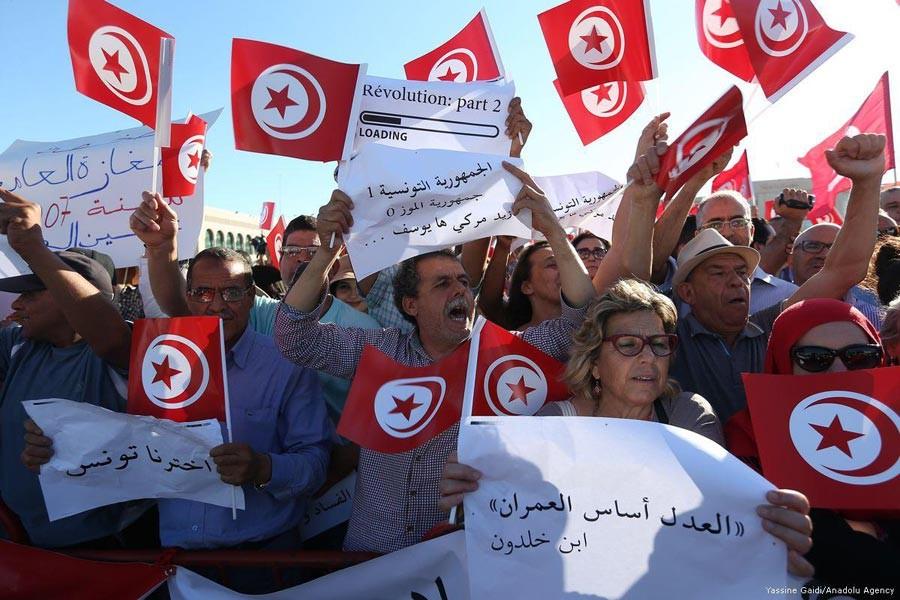 Tunus'ta direniş rüzgarları esiyor