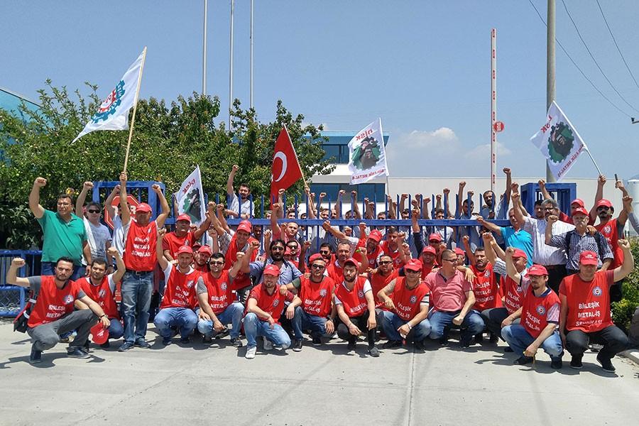 Birleşik Metal-İş'ten direnişteki AKG işçilerine ziyaret
