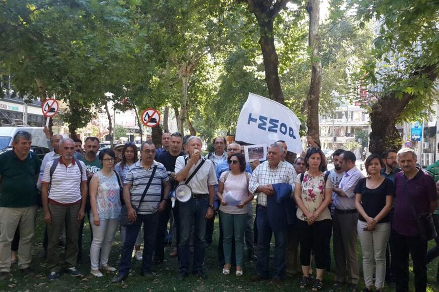 Çınar ağaçlarının zarar görmesi protesto edildi