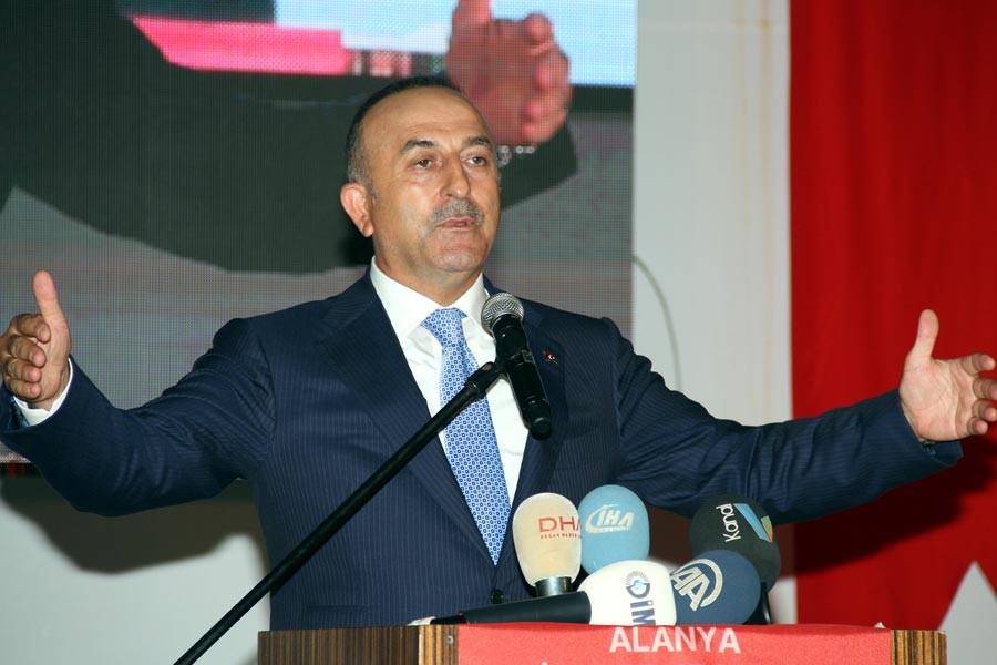 Çavuşoğlu: Kardeşler arasında itilafın çözüm yeri diyalogdur